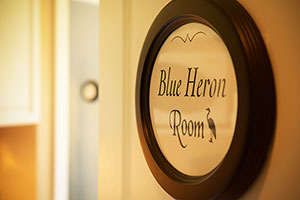Blue Heron B&B Room, Our Ucluelet Bed Breakfast B&B, Ocean Views, Kitchenettes, Beaches, Wild Pacific Trail, Storm Watching, Private, Friendly Hosts, Ocean Mist Guesthouse, Ucluelet, BC